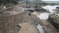 জকিগঞ্জে বন্যার পানি কমলেও বাড়ছে দুর্ভোগ : বিপর্যস্ত যোগাযোগ ব্যবস্থা