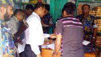 ভ্রাম্যমাণ আদালতের অভিযানে ৩টি প্রতিষ্ঠানকে জরিমানা