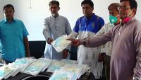 সুনামগঞ্জের টিভি সাংবাদিকদের পিপিই দিলেন আওয়ামী লীগ নেতা