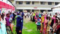 সুনামগঞ্জ পৌরসভার ১ নম্বর ওয়ার্ডে ওএমএসের চাল বিক্রি শুরু