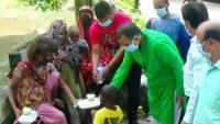 সুনামগঞ্জে মানসিক প্রতিবন্ধীদের মাঝে খাবার বিতরণ