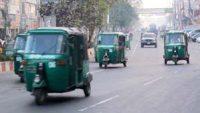জগন্নাথপুরে ছাগল বাঁচাতে গিয়ে অটোরিক্সা উল্টে আহত ৩ জন