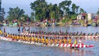 বানিয়াচংয়ের সরালিয়া নদীতে নৌকাবাইচ প্রতিযোগিতা